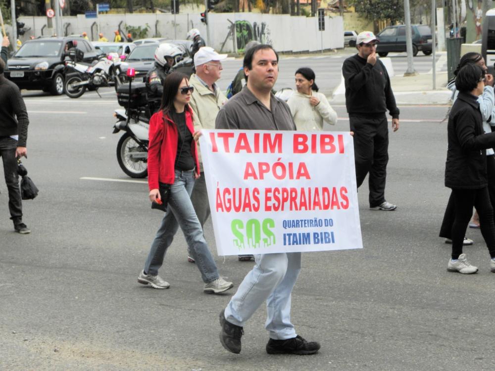 Manifestação contra o Túnel Roberto Marinho na Operação Urbana Água Espraiada (3/6)