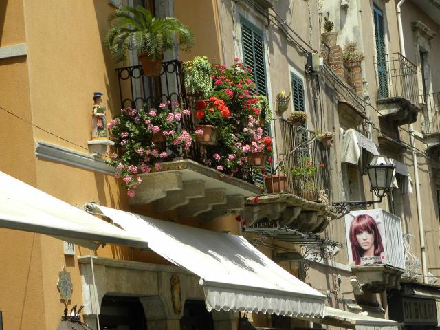 Italia 972