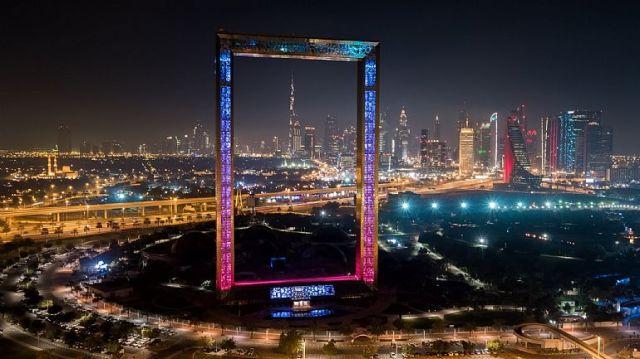 dubai-inaugura-o-maior-portaretratos-do-mundo-com-150-metros-4474-f2