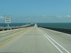 250px-Heading_north_on_Lake_Pontchartrain_Causeway