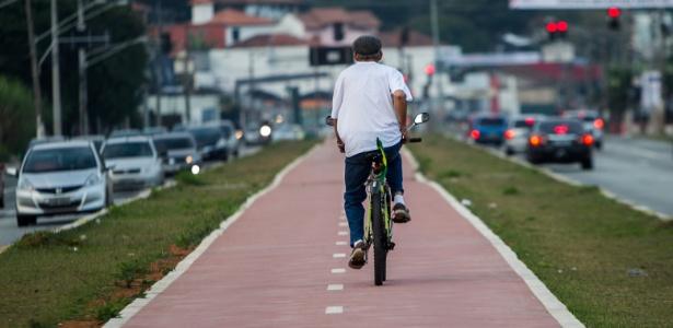 prometida-ha-muitos-anos-a-ciclovia-da-avenida-eliseu-de-almeida-na-zona-oeste-finalmente-foi-feita-a-inauguracao-foi-no-sabado-o-local-tem-forte-uso-de-ciclistas-que-pedalam-para-o-1402